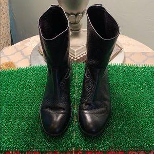 Sturdy Coach Flat Boots Black Leather
